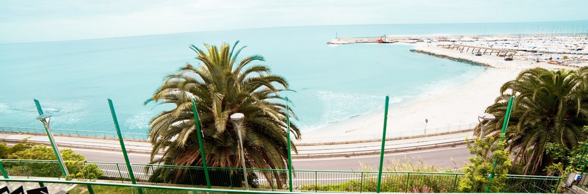 Hotel del golfo finale ligure sito ufficiale miglior for Arredamento hotel liguria